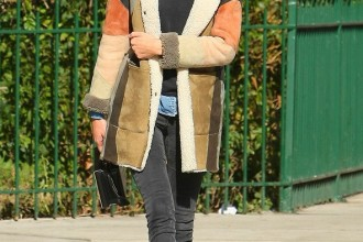 Trust Alexa to have her winter style perfectly polished. In this season's must-have shearling coat from Paul & Joe, a cute denim shirt under a jumper and Alexa's staple skinny jeans, this is one look we'll be copying for years.