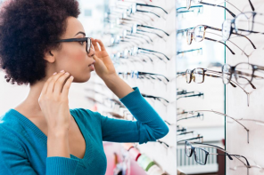 What to know about buying glasses online